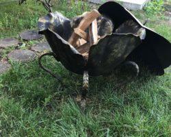 Мангал кованый в виде бутона цветка
